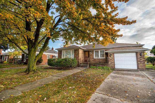 23212 Jefferson Avenue, Saint Clair Shores, MI 48080 (#2200087273) :: The Merrie Johnson Team
