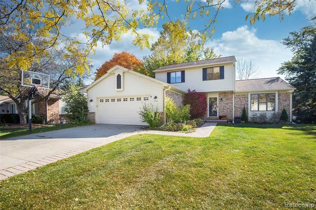 2163 Highsplint Dr, Rochester Hills, MI 48307 (#2200087326) :: Alan Brown Group
