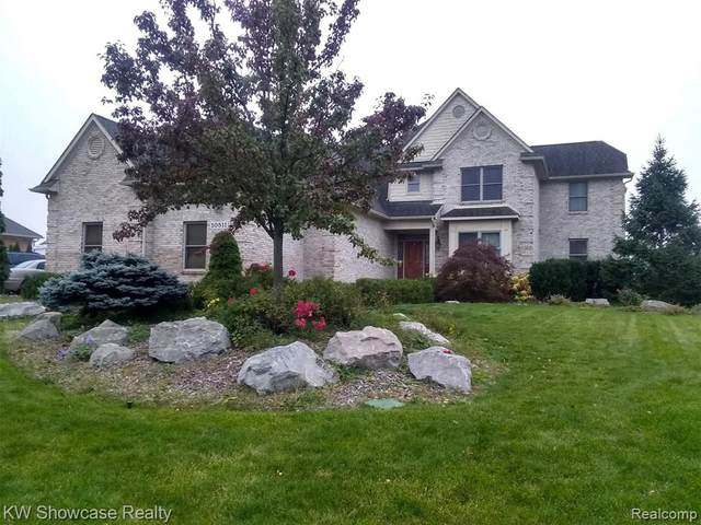 10511 Stoney Point Drive, Green Oak Twp, MI 48178 (#2200087607) :: The Mulvihill Group