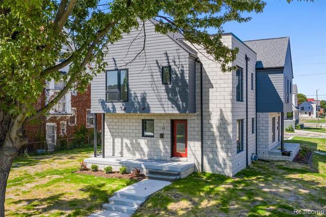 111 Chandler Street, Detroit, MI 48202 (#2200087735) :: Keller Williams West Bloomfield