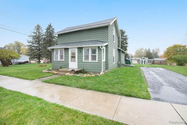 315 N Hibbard Street, Fowlerville Vlg, MI 48836 (#2200087874) :: The Mulvihill Group