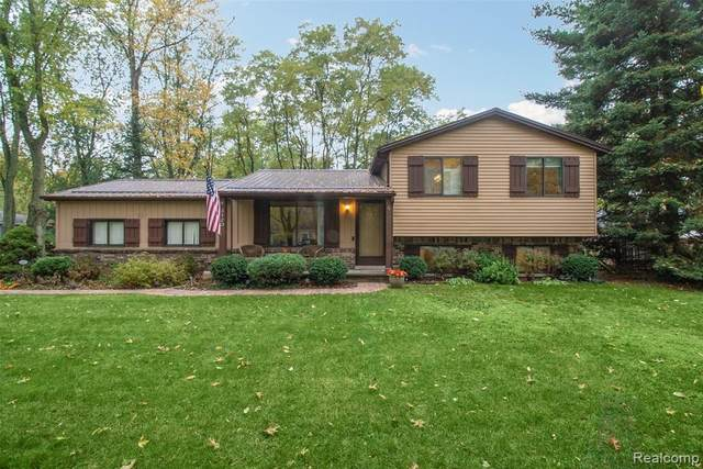 3120 Silverberry Street, Commerce Twp, MI 48382 (#2200087910) :: The Alex Nugent Team | Real Estate One