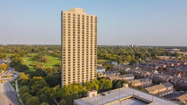 5000 Town Ctr Ste 303, Southfield, MI 48075 (#2200087985) :: Robert E Smith Realty