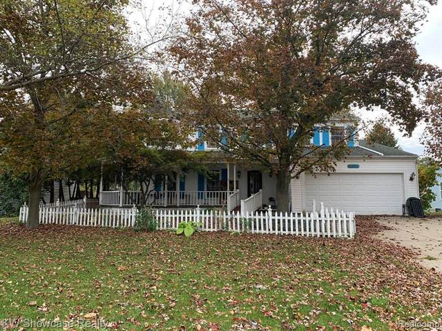 8975 Sussex Street, White Lake Twp, MI 48386 (MLS #2200088116) :: The Toth Team
