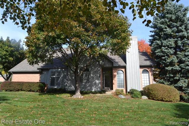 37550 Avon Lane #39, Farmington Hills, MI 48331 (#2200088195) :: The BK Agency