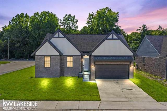 29376 Bayside Circle South, Chesterfield Twp, MI 48047 (MLS #58050027313) :: The Toth Team