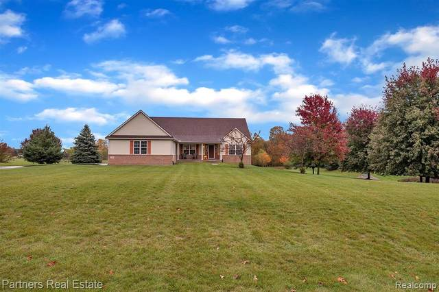 5755 Katz Farm Court, Saline, MI 48176 (#2200088274) :: The Alex Nugent Team | Real Estate One