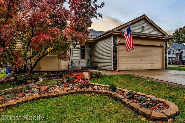 3194 Valley Rise Drive, Holly Vlg, MI 48442 (MLS #2200088333) :: The John Wentworth Group