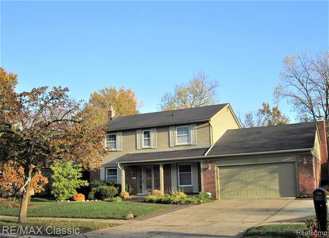 45036 Pinetree Drive, Plymouth Twp, MI 48170 (MLS #2200088346) :: The Toth Team