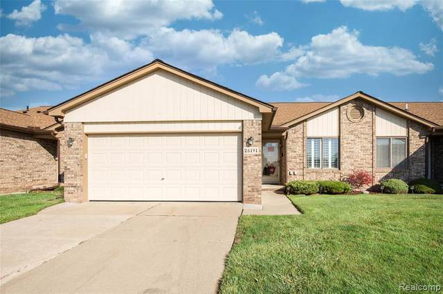 26191 N Knollwood Dr Drive, Chesterfield Twp, MI 48051 (#2200088449) :: GK Real Estate Team