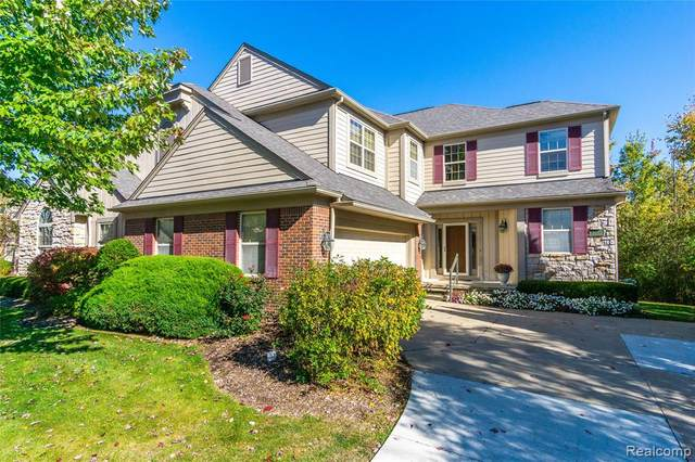 3713 Winding Brook Circle, Rochester Hills, MI 48309 (#2200088580) :: The BK Agency