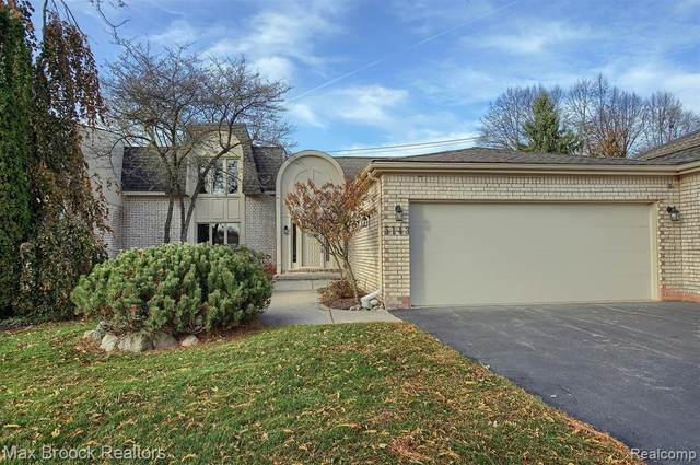 5143 Woodlands Drive, Bloomfield Twp, MI 48302 (#2200088612) :: Robert E Smith Realty
