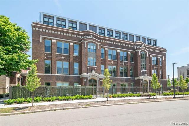 1454 Townsend Street #304, Detroit, MI 48214 (#2200088708) :: Duneske Real Estate Advisors