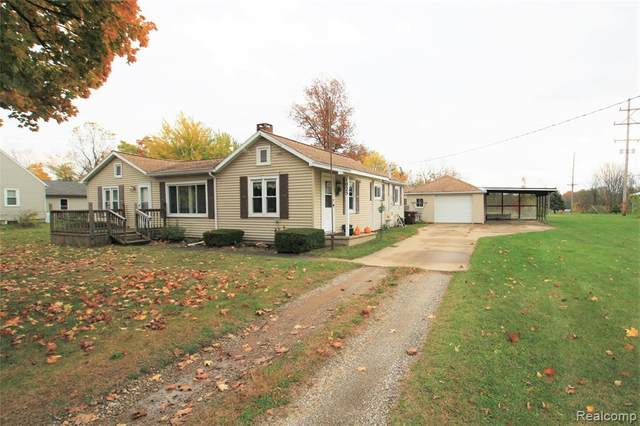 1025 S Front Street, Chesaning Vlg, MI 48616 (#2200088730) :: Robert E Smith Realty