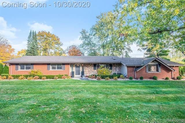 29522 Ravenscroft St, Farmington Hills, MI 48331 (#2200088993) :: BestMichiganHouses.com