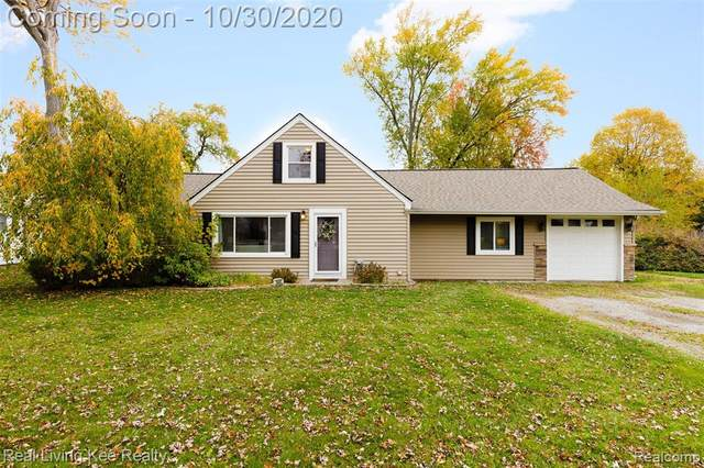 1441 Cambria Dr, Troy, MI 48085 (#2200089034) :: Alan Brown Group