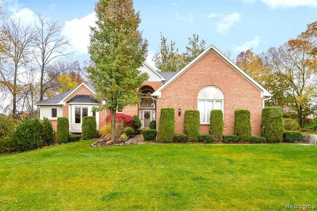 13970 Bridgewater Court, Green Oak Twp, MI 48178 (MLS #2200089091) :: The Toth Team