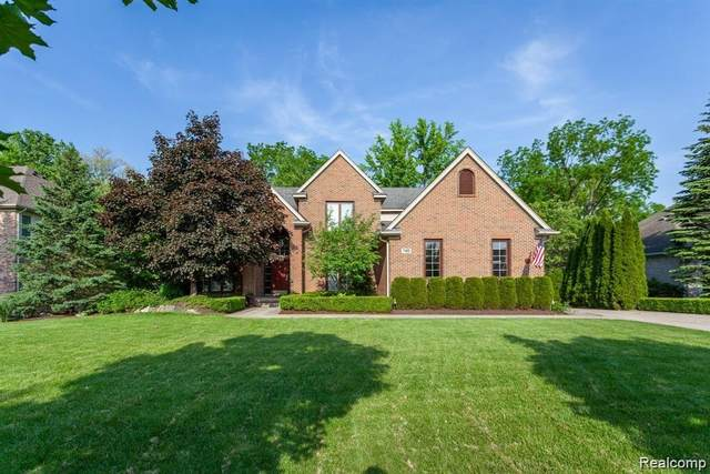 7425 Millwood, West Bloomfield Twp, MI 48322 (#2200089148) :: Alan Brown Group