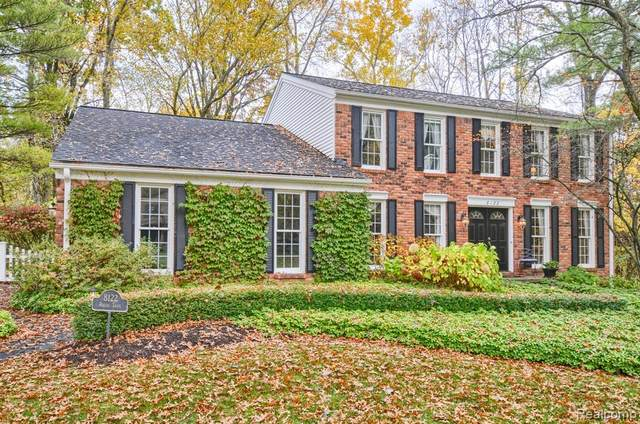 8122 Rustic Trail, Independence Twp, MI 48348 (#2200089281) :: The Merrie Johnson Team