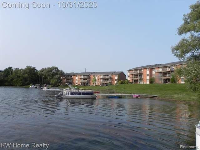 1954 Klingensmith Rd Unit 33 Road W 33C, Bloomfield Twp, MI 48302 (#2200089296) :: Alan Brown Group