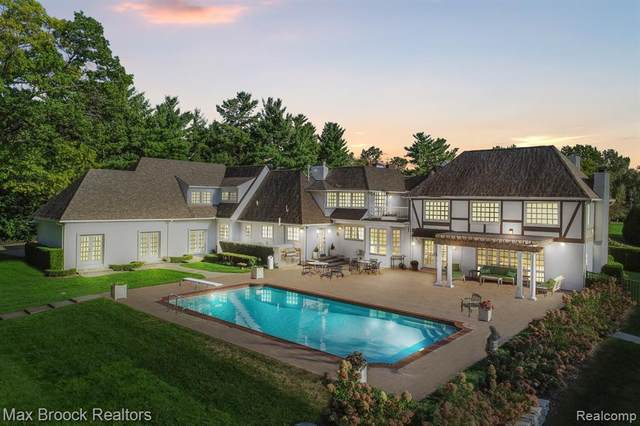 720 Lone Pine Road, Bloomfield Hills, MI 48304 (#2200089452) :: Alan Brown Group