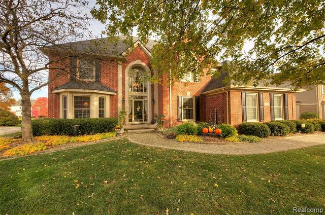6852 Kings Mill Drive, Canton Twp, MI 48187 (#2200089619) :: BestMichiganHouses.com
