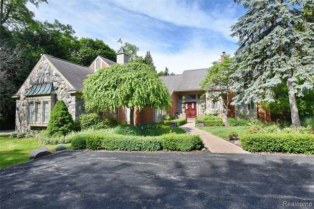 1805 Tiverton Road, Bloomfield Hills, MI 48304 (#2200089663) :: Alan Brown Group