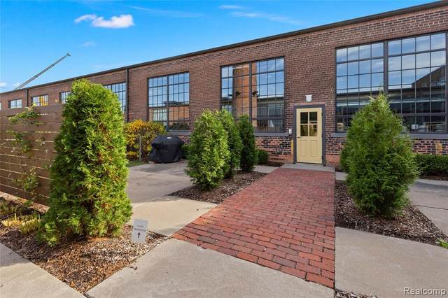 3434 Russell Street #305, Detroit, MI 48207 (#2200089891) :: Alan Brown Group