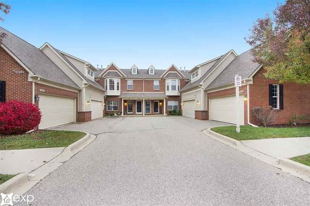 43123 Pendleton Circle, Sterling Heights, MI 48313 (#58050027917) :: NextHome Showcase