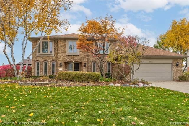 37844 Baywood Drive, Farmington Hills, MI 48335 (#2200090195) :: GK Real Estate Team