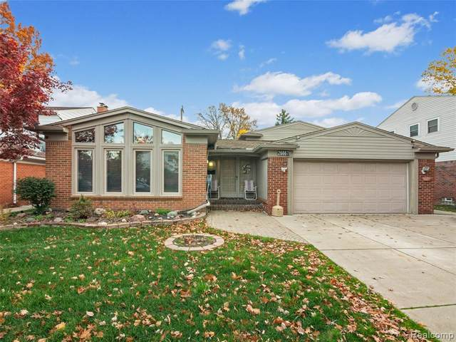 26667 Timber Trail, Dearborn Heights, MI 48127 (#2200090204) :: GK Real Estate Team