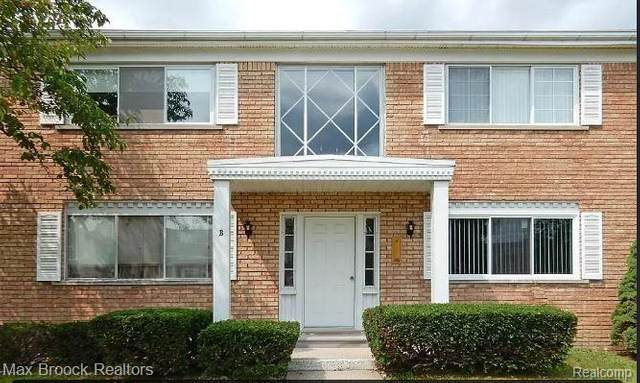 801 W Long Lake Road B8, Bloomfield Twp, MI 48302 (#2200090771) :: Novak & Associates