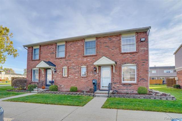 37061 Charter Oaks Blvd, Clinton Twp, MI 48036 (#2200091034) :: Robert E Smith Realty