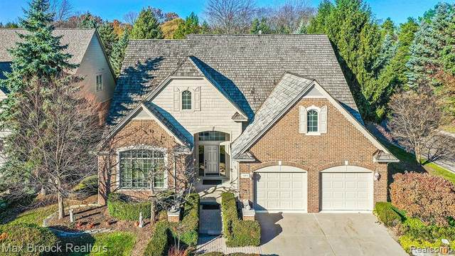 1104 Park Place Court, Bloomfield Twp, MI 48302 (#2200091543) :: Robert E Smith Realty