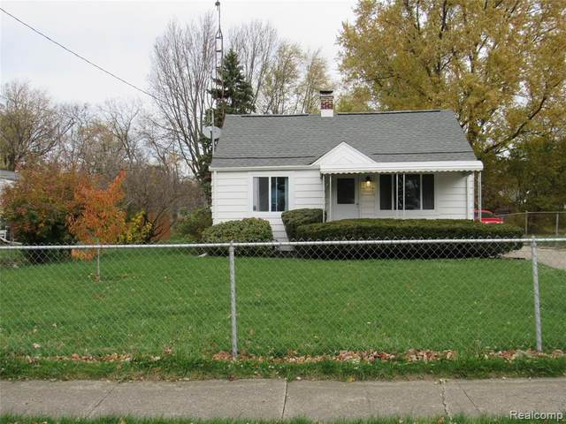 3231 Dakota Avenue, Flint, MI 48506 (#2200091922) :: The Merrie Johnson Team