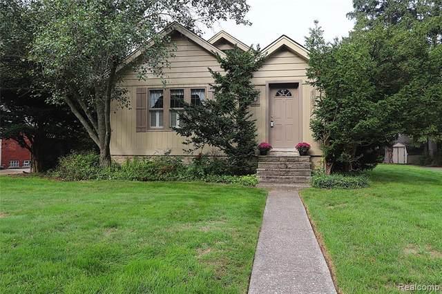 18607 Westmore Street, Livonia, MI 48152 (#2200092281) :: Keller Williams West Bloomfield