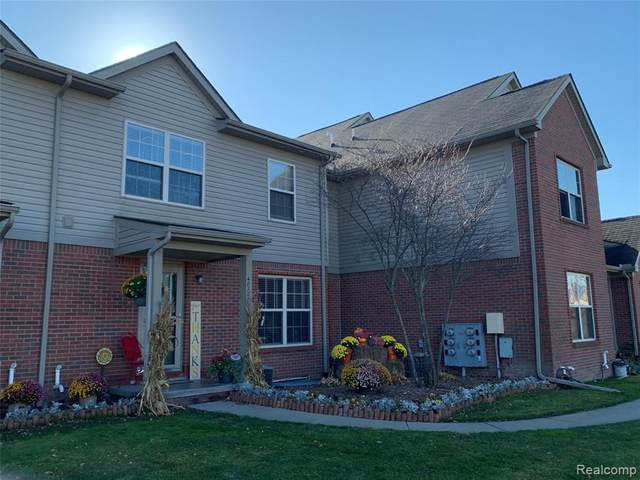 48726 Chelmsford Court, Chesterfield Twp, MI 48047 (#2200092507) :: Keller Williams West Bloomfield