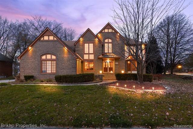 15187 Covington Drive, Shelby Twp, MI 48315 (#2200092583) :: The Alex Nugent Team | Real Estate One