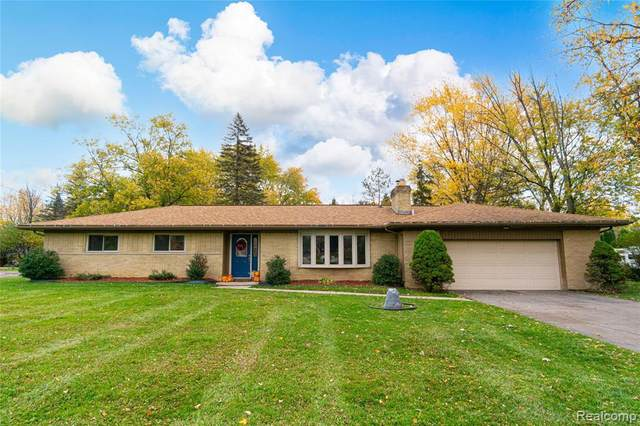 8109 Dungarvin Drive, Grand Blanc Twp, MI 48439 (MLS #2200092800) :: The John Wentworth Group