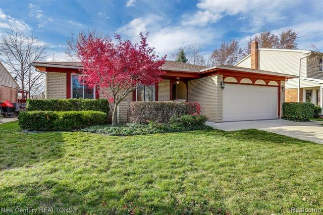 45851 Georgetown Dr, Macomb Twp, MI 48044 (#2200093106) :: The Mulvihill Group