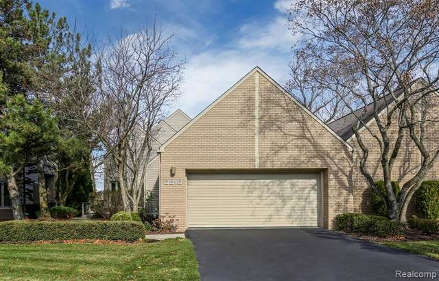 3810 Wabeek Lake Drive E., Bloomfield Twp, MI 48302 (#2200093398) :: Novak & Associates