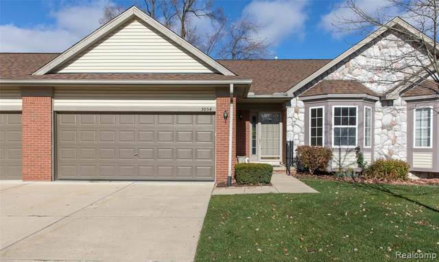 3054 Brookside Drive, Waterford Twp, MI 48328 (#2200093701) :: Robert E Smith Realty