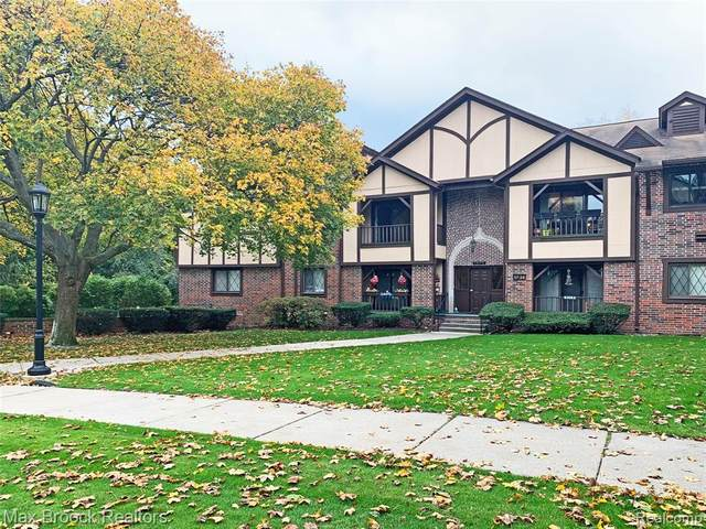42160 Woodward Avenue #21, Bloomfield Twp, MI 48304 (#2200093932) :: The Mulvihill Group