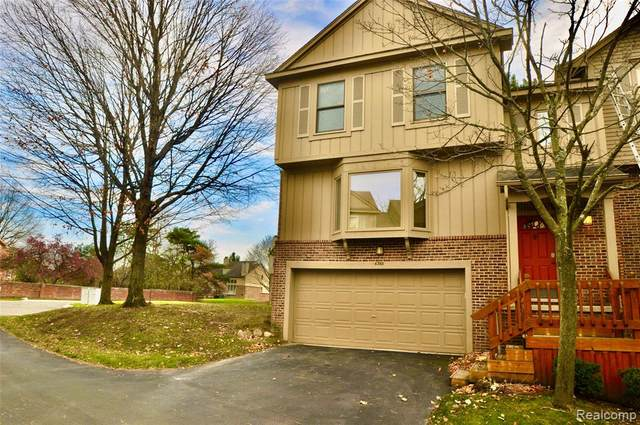 6366 Aspen Ridge Boulevard, West Bloomfield Twp, MI 48322 (#2200094102) :: Robert E Smith Realty