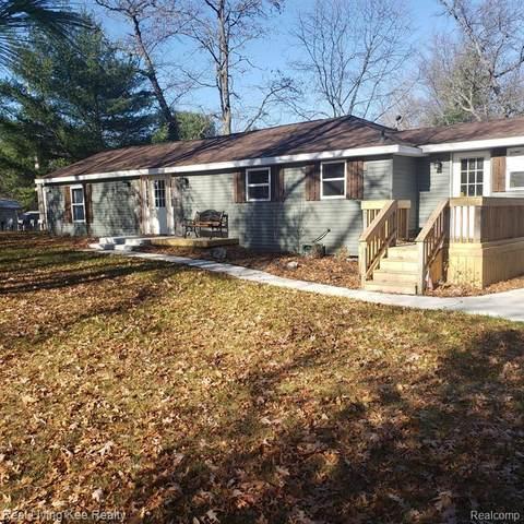 2050 Lake Street, Richfield Twp, MI 48656 (#2200094216) :: The Alex Nugent Team | Real Estate One