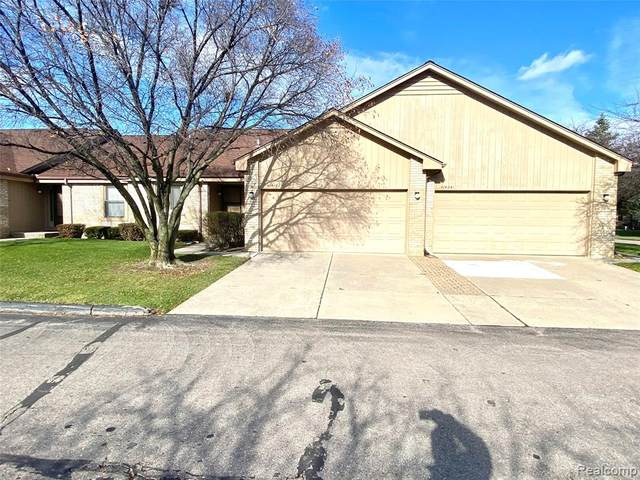 41431 Ambercrest Drive #60, Sterling Heights, MI 48314 (#2200094336) :: Robert E Smith Realty
