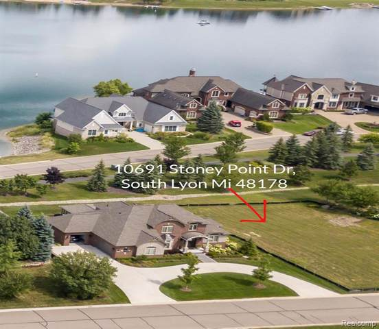 10691 Stoney Point Drive, Green Oak Twp, MI 48178 (#2200094443) :: The Mulvihill Group