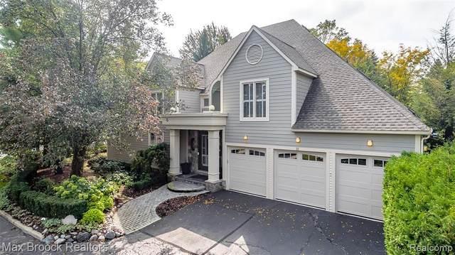 21 Boulder Lane, Bloomfield Hills, MI 48304 (#2200094461) :: Robert E Smith Realty