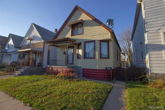 2699 Evaline Street, Hamtramck, MI 48212 (#2200094721) :: The Mulvihill Group