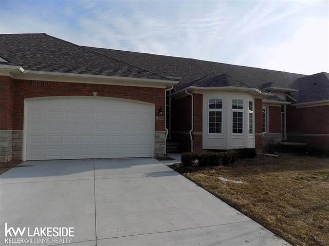 14916 Village Park Circle, Shelby Twp, MI 48315 (#58050029192) :: Keller Williams West Bloomfield